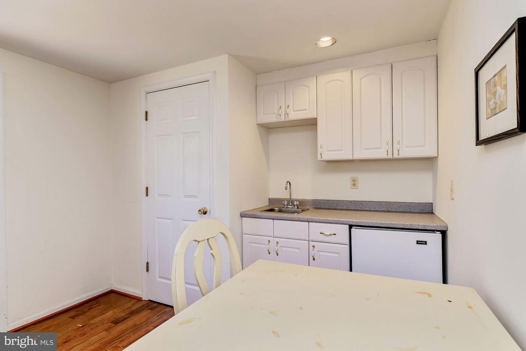 Tenant / Care Taker / Guest House - Kitchen - 12466 KONDRUP DR, FULTON