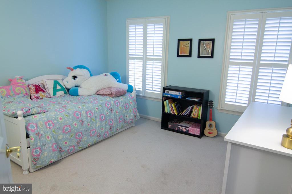 Bedroom 2 - 147 HERNDON MILL CIR, HERNDON