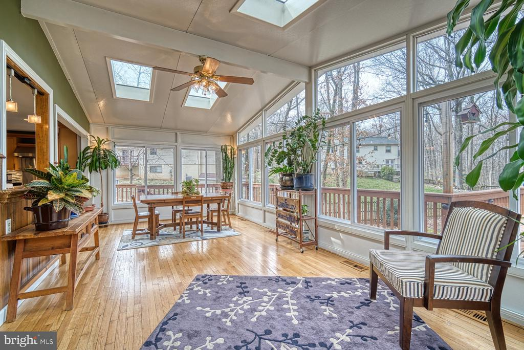 Incredible~sunroom off the kitchen and family room - 12224 PINE PARK CT, FAIRFAX