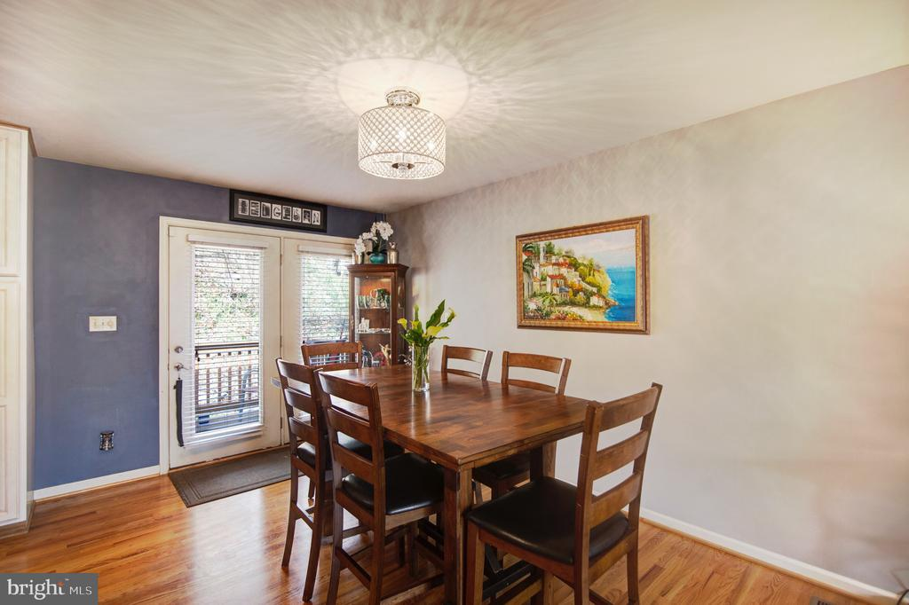 Light filled dining area with Glass doors! - 6765 BALMORAL RDG, NEW MARKET