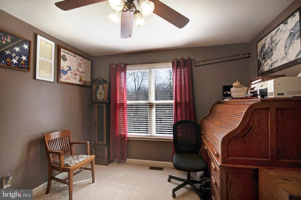 3rd main level bedroom used as office - 6765 BALMORAL RDG, NEW MARKET