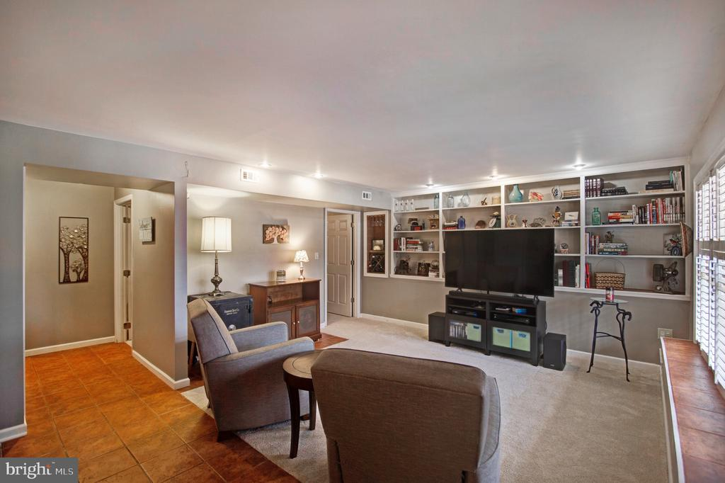 Basement level family room with built ins! - 6765 BALMORAL RDG, NEW MARKET