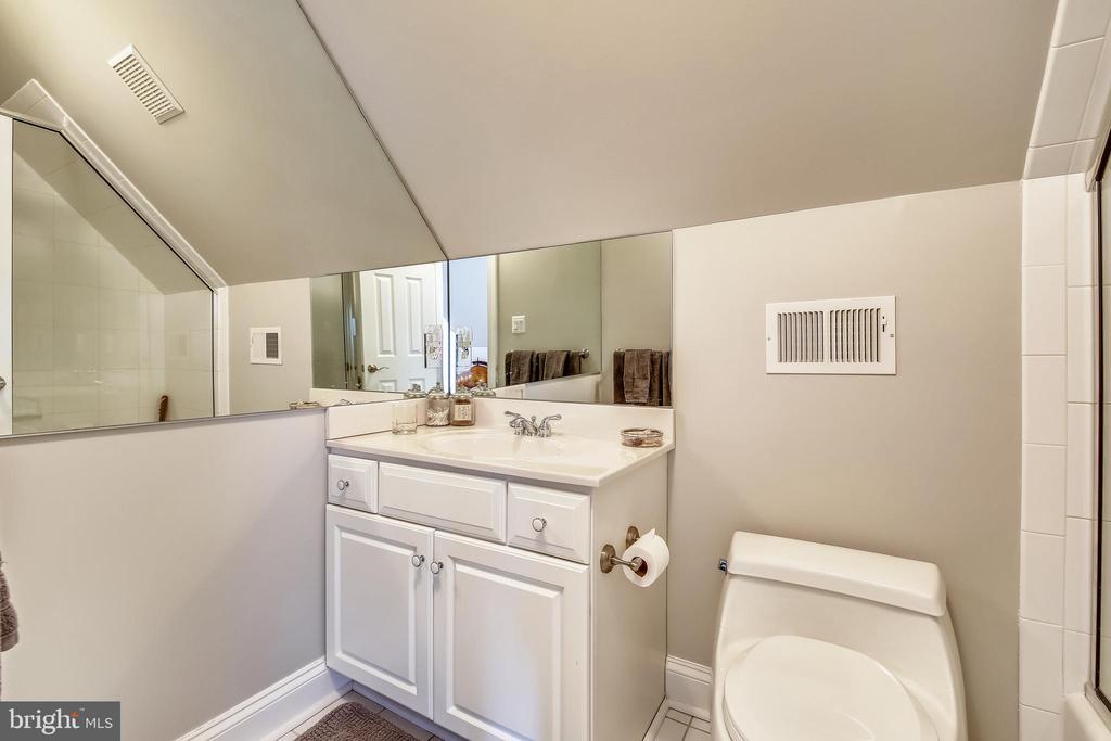 Third level Full Bath - 7731 OLDCHESTER RD, BETHESDA