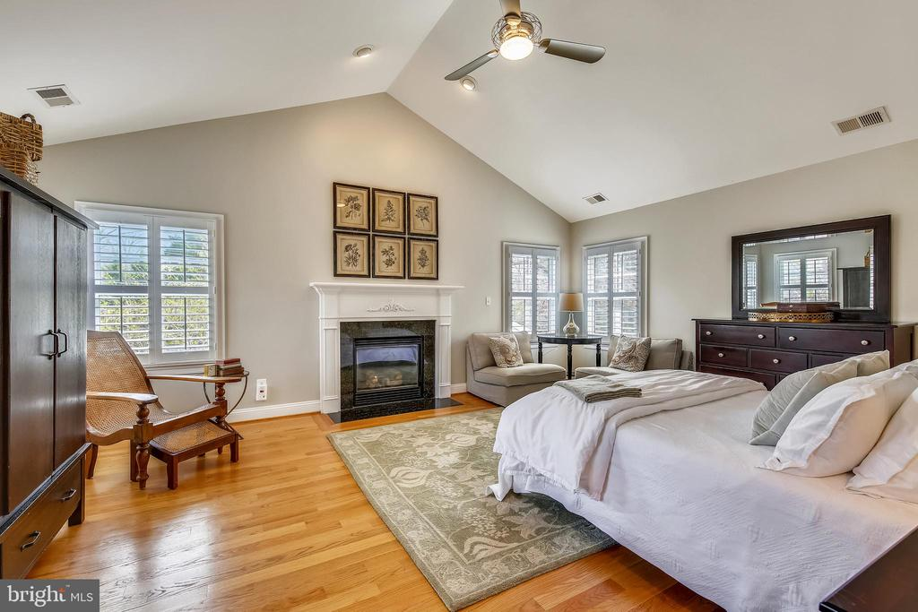 Owner's Suite with Fireplace - 7731 OLDCHESTER RD, BETHESDA
