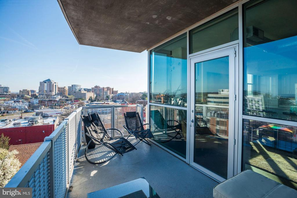Extended outdoor living space - 3409 WILSON BLVD #602, ARLINGTON