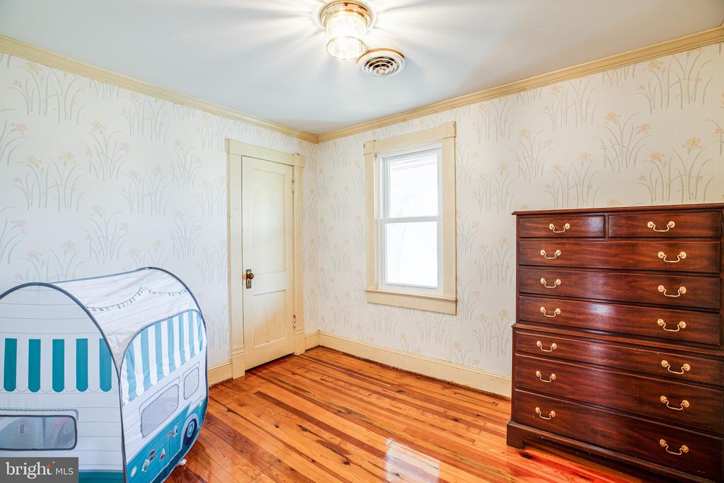 Bedroom 4 is small but perfect for play or sleep - 504 POPLAR RD, FREDERICKSBURG