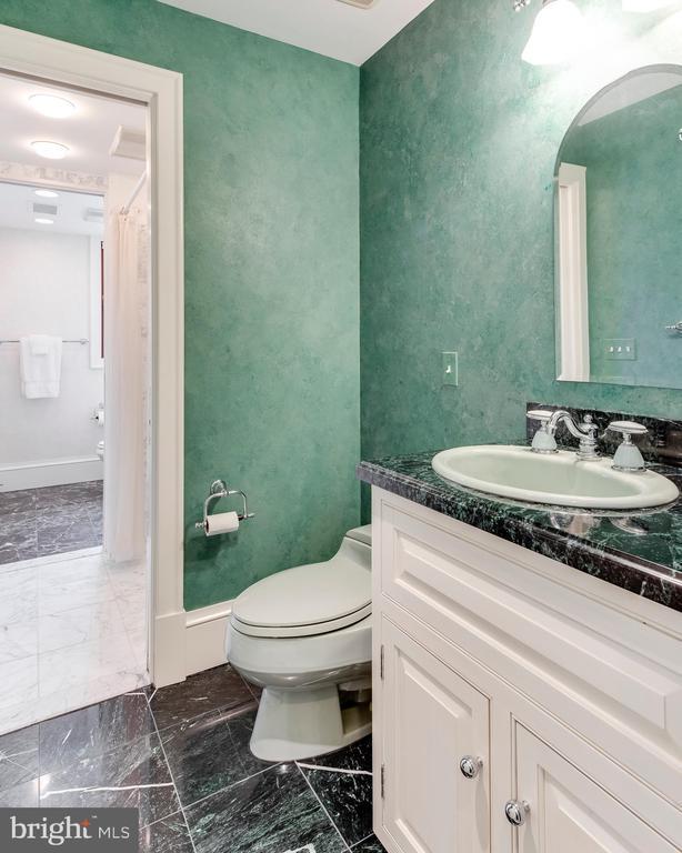 Hall Bath - 3182 HARNESS CREEK RD, ANNAPOLIS