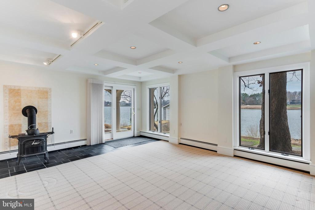Walk out lower level with wood stove - 3182 HARNESS CREEK RD, ANNAPOLIS