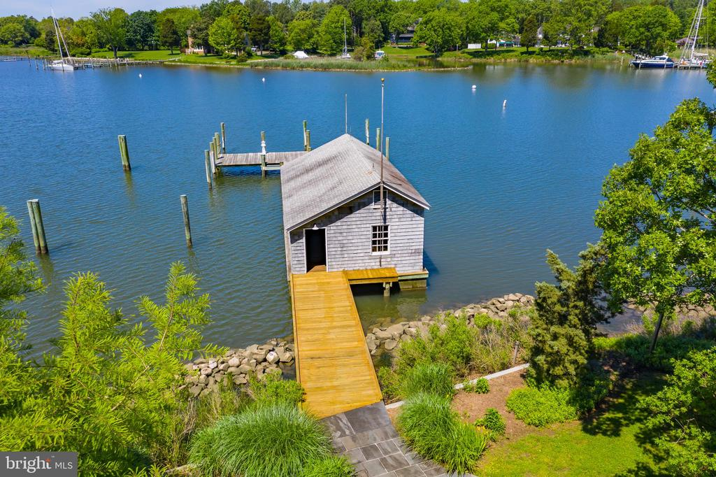 Rare Restored Boat house on Aberdeen Creek - 3182 HARNESS CREEK RD, ANNAPOLIS