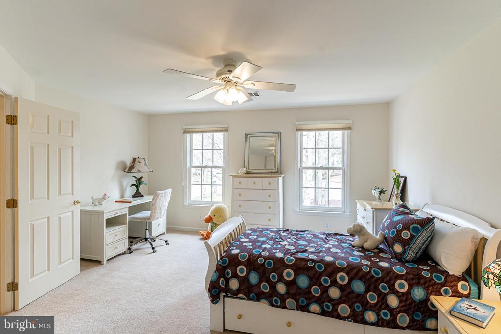 Bedroom Suite #3 - 7000 FAWN TRAIL CT, BETHESDA