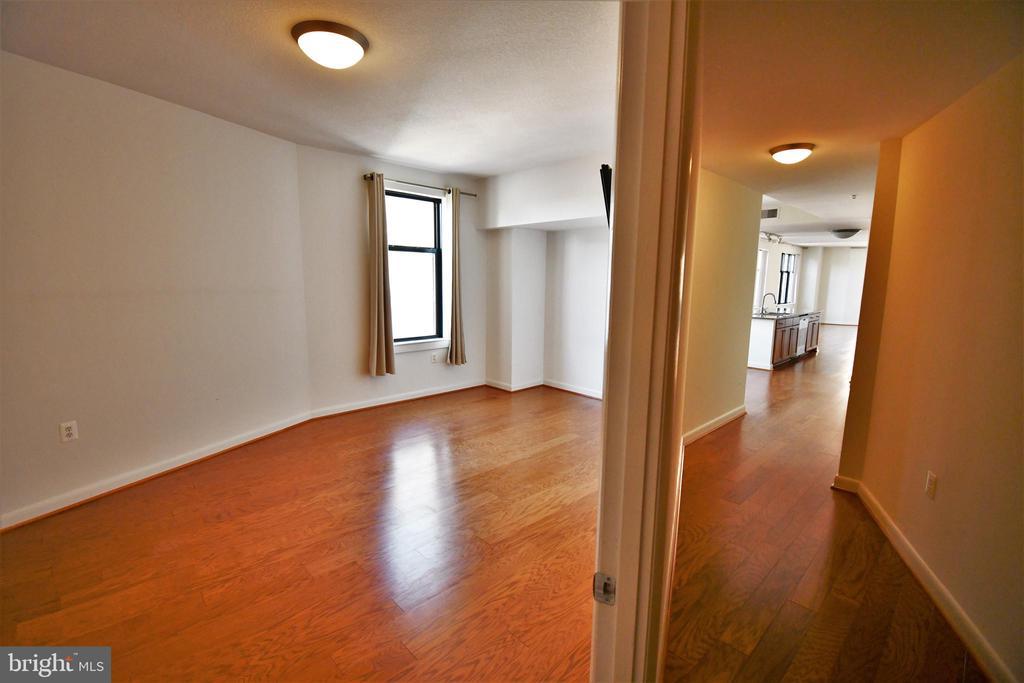 Hall and Bedroom - 400 MASSACHUSETTS AVE NW #1007, WASHINGTON