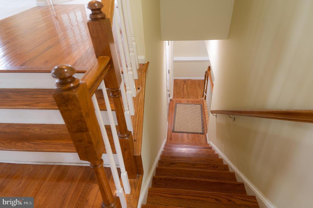 Stairs to Lower Level (Basement & Garage) - 1689 WINTERWOOD CT, HERNDON