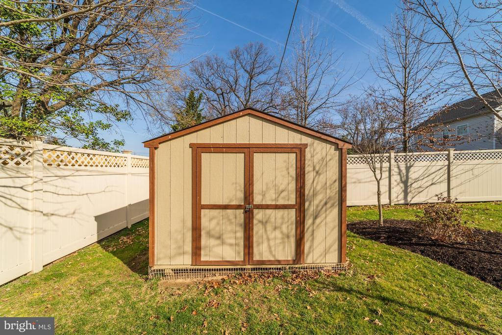 Extra storage shed! - 6204 BERNARD AVE, ALEXANDRIA