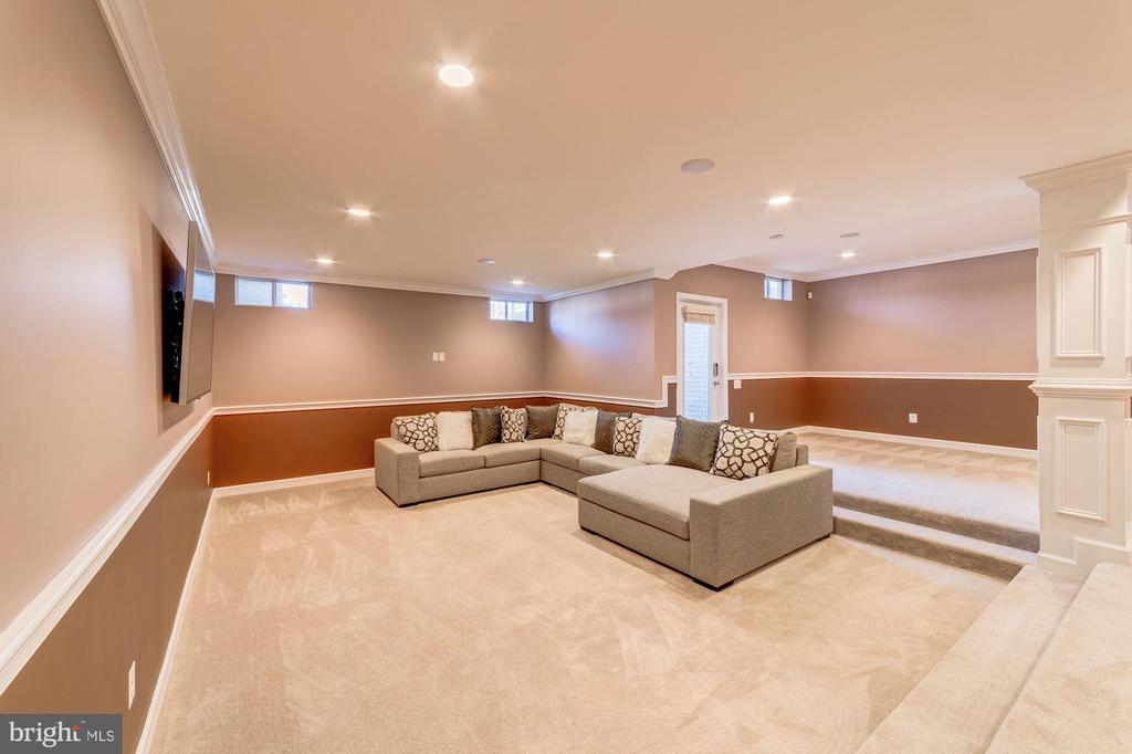 Basement level with 9-foot ceilings - 6204 BERNARD AVE, ALEXANDRIA