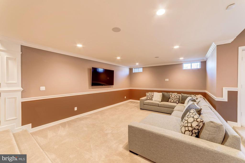 Huge entertaining space downstairs - 6204 BERNARD AVE, ALEXANDRIA