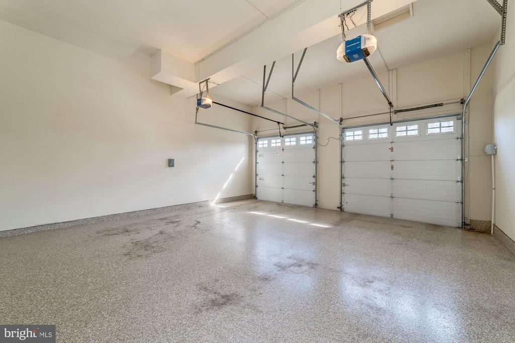 Large 2-car attached garage! - 6204 BERNARD AVE, ALEXANDRIA