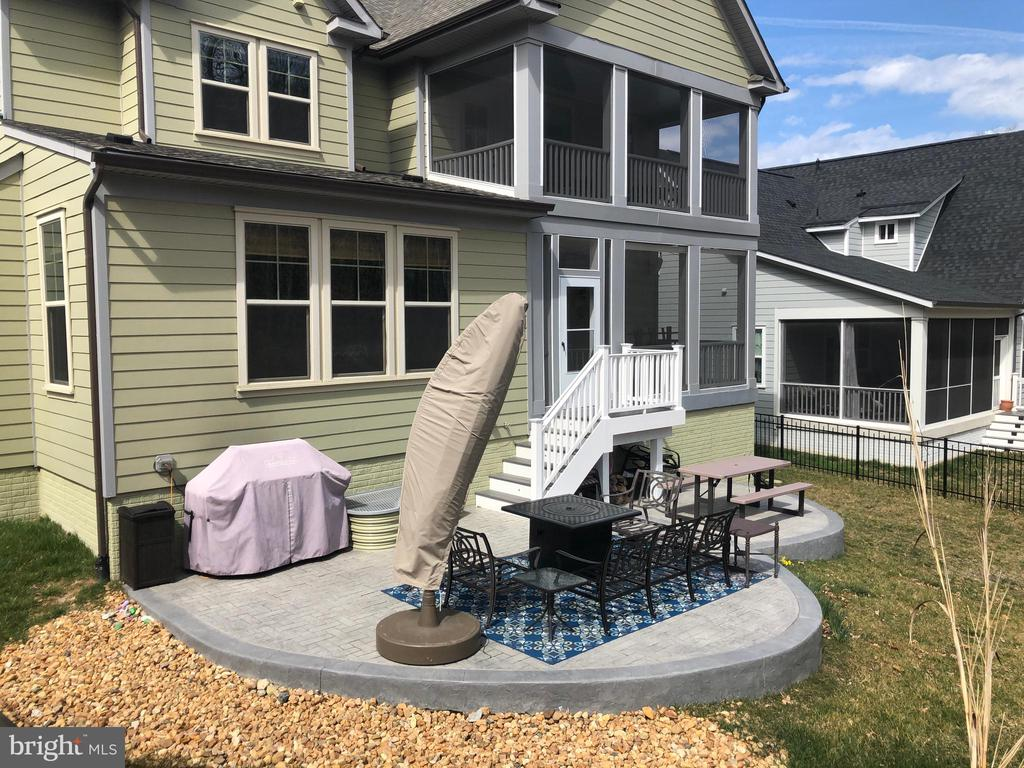 Dual screened porches, patio, and fenced rear yard - 17109 GULLWING DR, DUMFRIES