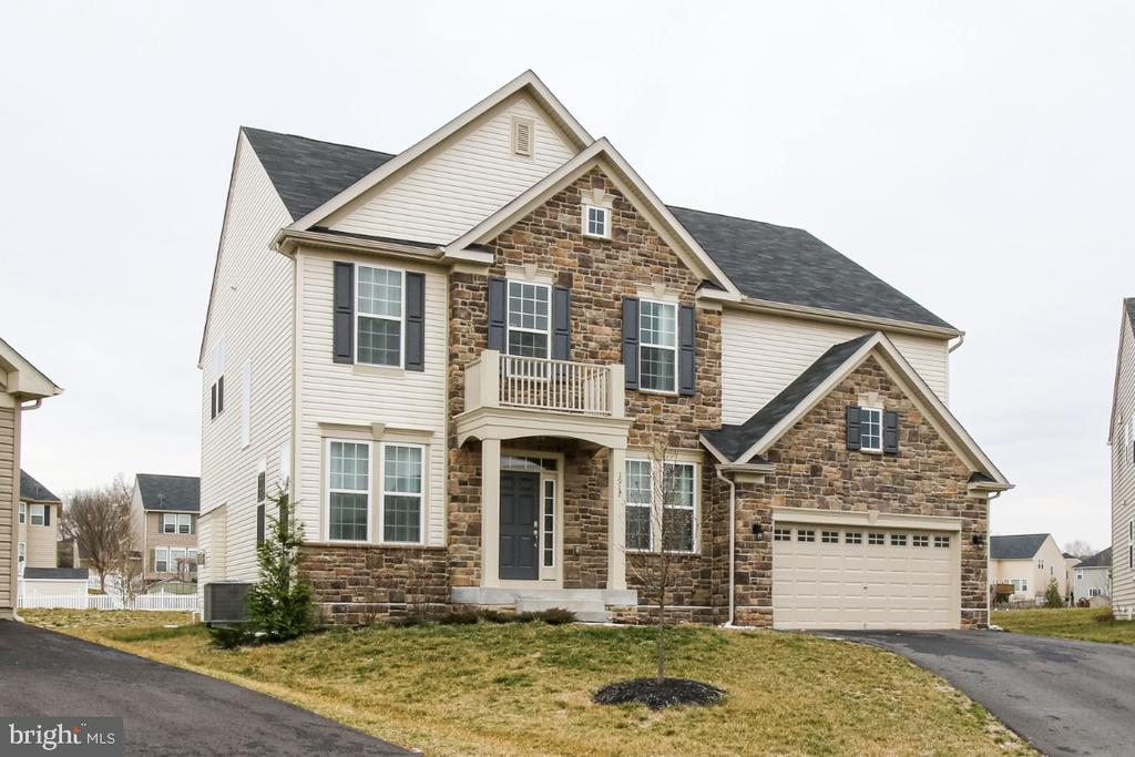 Large Colonial with upgrades throughout - 1917 WETTERHORN CT, FREDERICK