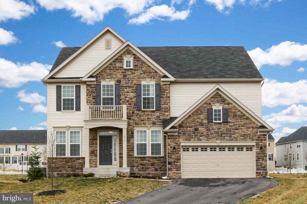 Stunning Colonial in Clover Ridge Subdivision - 1917 WETTERHORN CT, FREDERICK