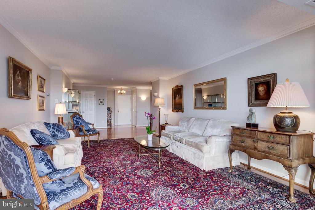 Living Room - 1800 OLD MEADOW RD #1106, MCLEAN