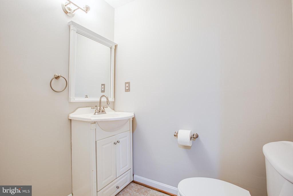 half bath in basement - 2 KINGSLEY CT, STAFFORD