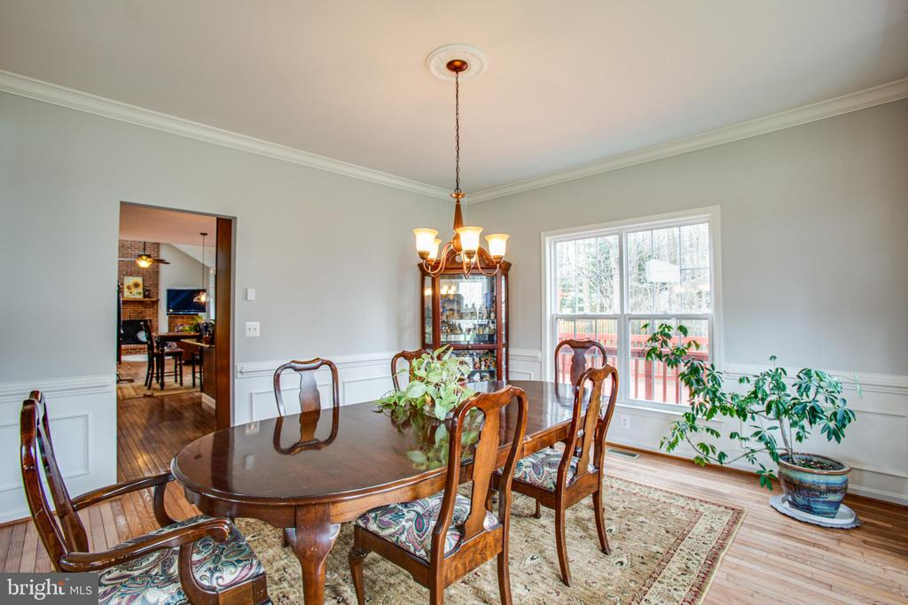 nice size dining room for gatherings - 2 KINGSLEY CT, STAFFORD