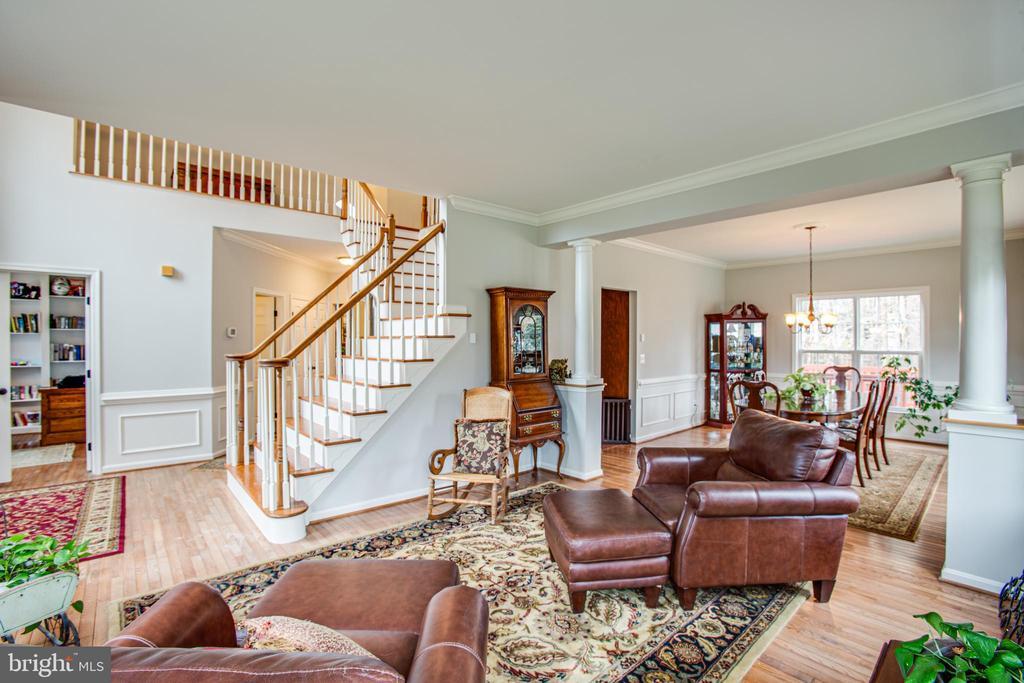 living room - 2 KINGSLEY CT, STAFFORD