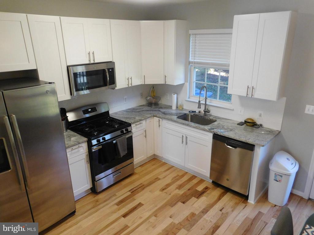 Kitchen - 2020 TREMONT ST SE, WASHINGTON