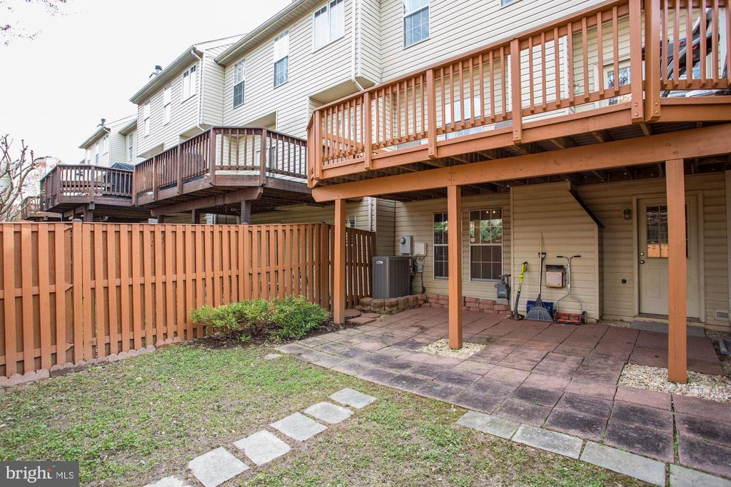 Two outdoor areas! - 8110 MADRILLON SPRINGS LN, VIENNA