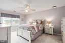 Delightful master bedroom full of natural light - 6 SPRING LAKE DR, STAFFORD