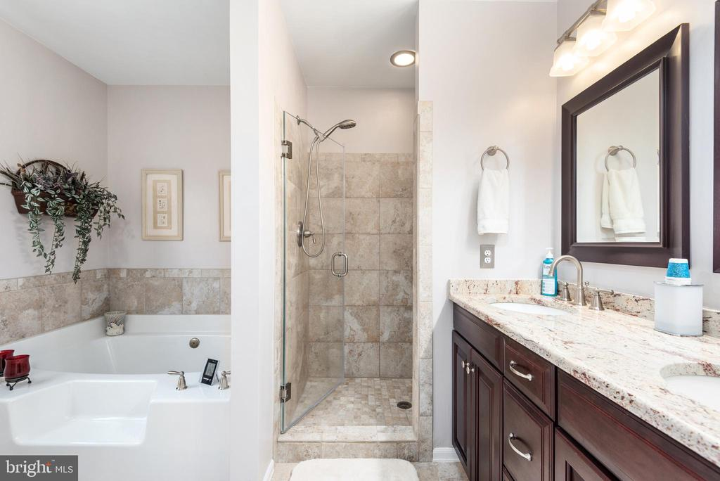 Breathtaking master bathroom suite, custom tiled - 6 SPRING LAKE DR, STAFFORD