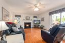 Family room with circulating gas fireplace - 6 SPRING LAKE DR, STAFFORD