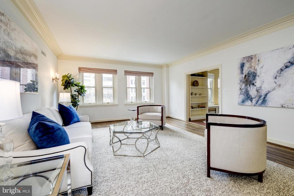 Spacious living room - 2101 CONNECTICUT AVE NW #23, WASHINGTON