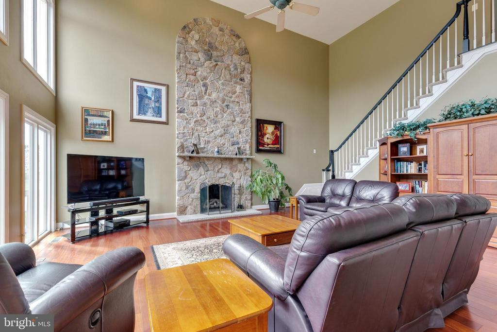 Gas Fireplace and 2nd Stairwell - 21946 HYDE PARK DR, ASHBURN