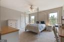 Secondary Bedroom with Ceiling Fan - 21946 HYDE PARK DR, ASHBURN