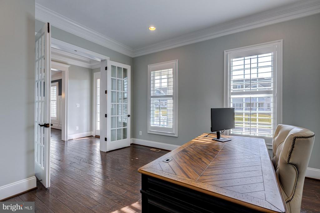 Home office conveniently located on main level - 23065 CHAMBOURCIN PL, ASHBURN