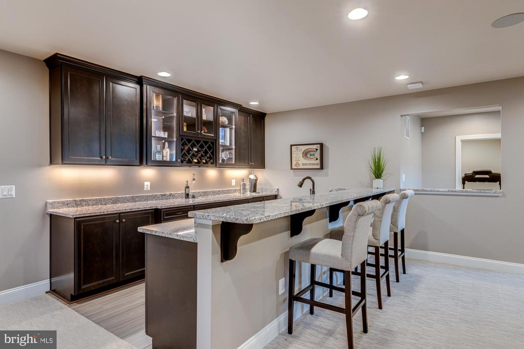 Undermount lighting adds a touch of elegance - 23065 CHAMBOURCIN PL, ASHBURN