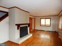 Hardwood Floors & Wood Fireplace in Living Room - 9108 MILL POND RD, SPOTSYLVANIA
