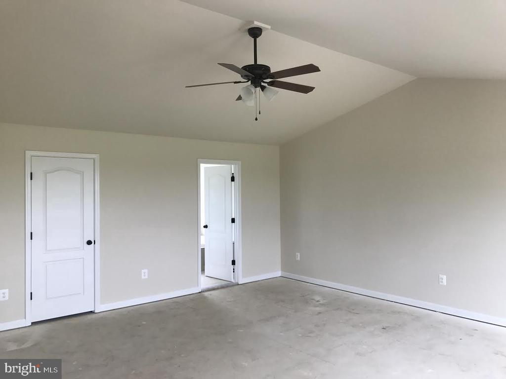 - 5 JACOBS HILL COURT, LEESBURG