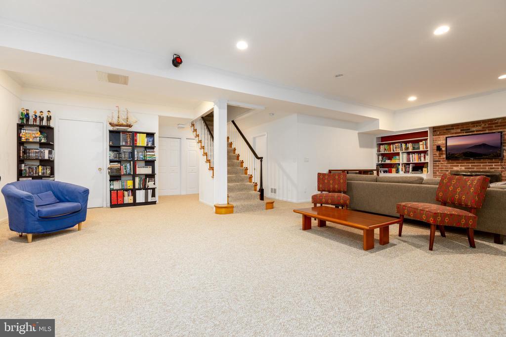 Lower level family room - 4311 TORCHLIGHT CIR, BETHESDA