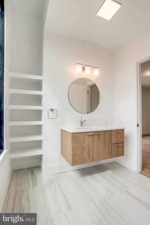 EACH BEDROOM HAS EN SUITE BATH - 4101 N RICHMOND ST, ARLINGTON