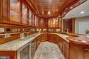 Luxury custom build cabinetry and bar - 18339 BUCCANEER TER, LEESBURG