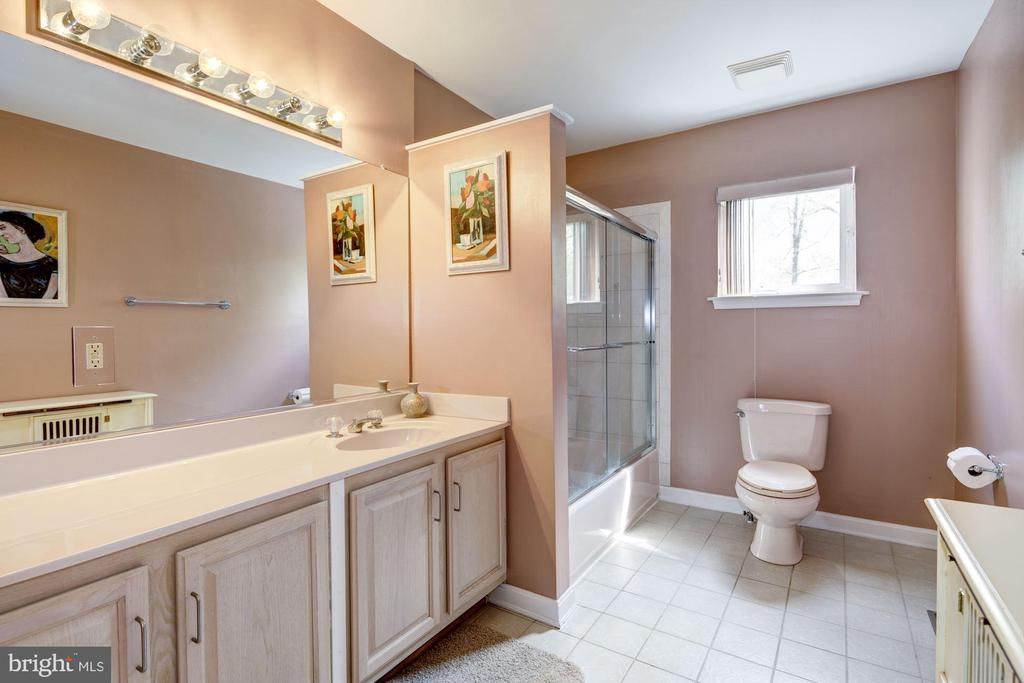 Full Bath - 6108 SHADED LEAF CT, COLUMBIA