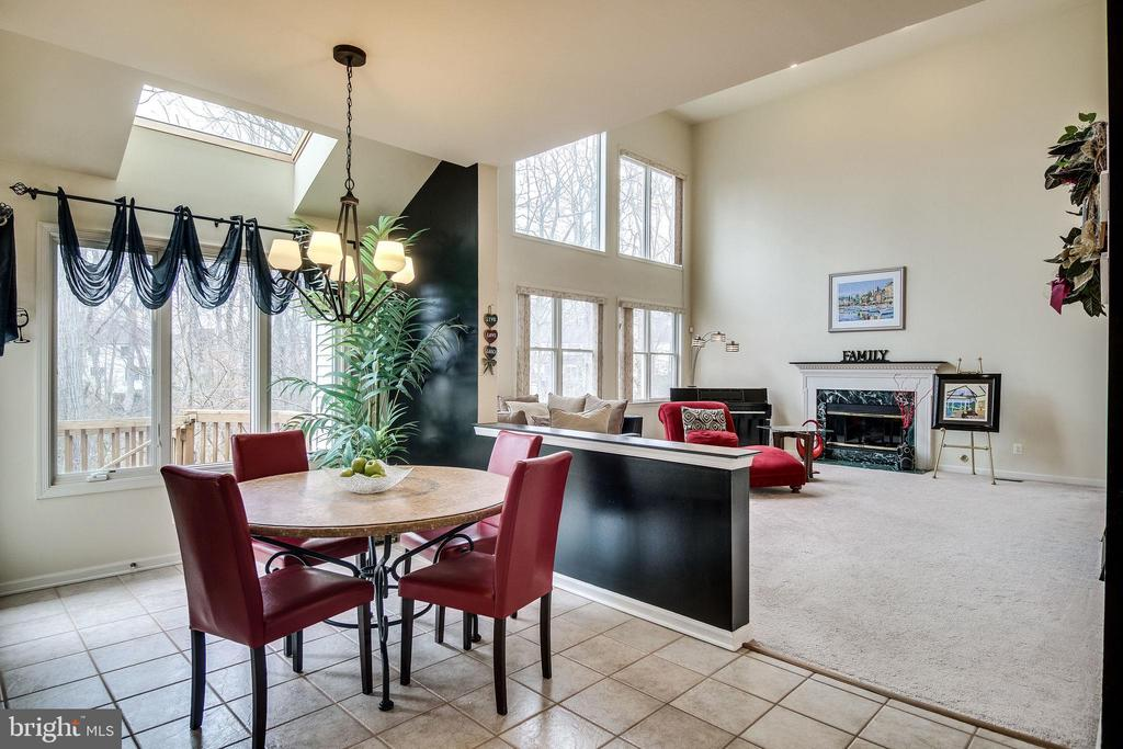 Kitchen table space - 13451 GRAY VALLEY CT, CENTREVILLE