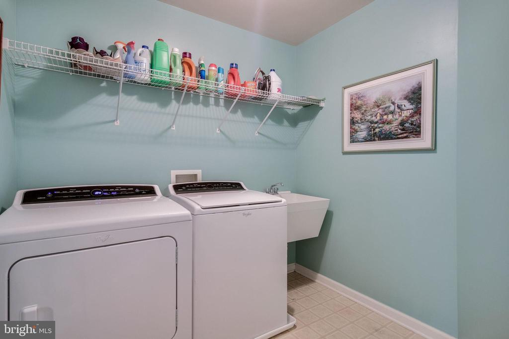 Upper level laundry - 13451 GRAY VALLEY CT, CENTREVILLE