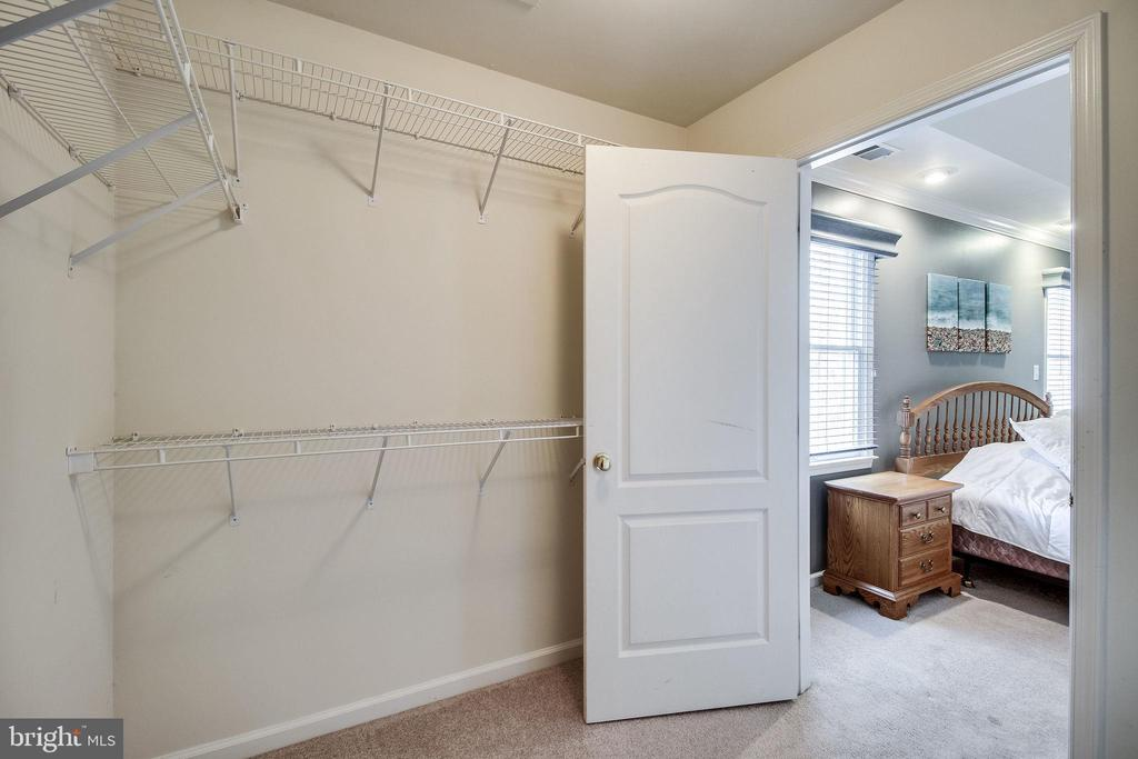 Second Master closet - 13451 GRAY VALLEY CT, CENTREVILLE