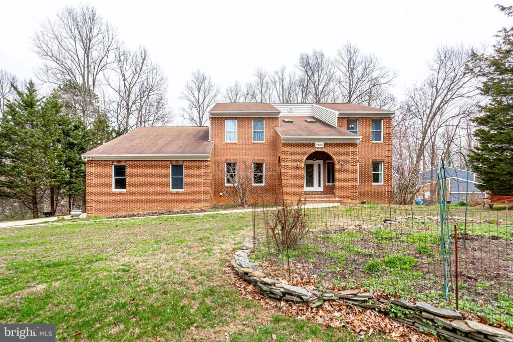 FRONT VIEW OF HOME FROM BEECHWOOD DRIVE - 7365 BEECHWOOD DR, SPRINGFIELD