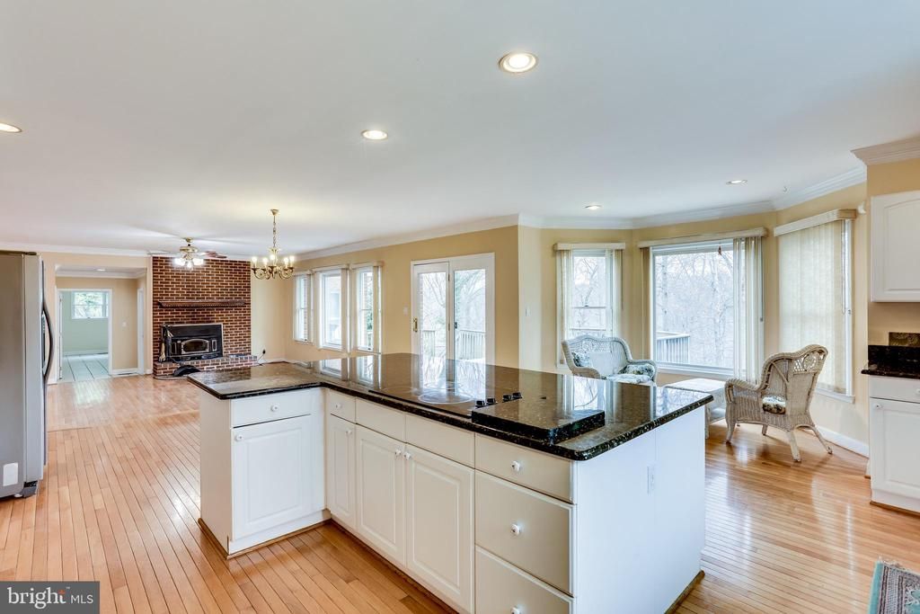 VIEW OF KITCHEN ISLAND FROM KITCHEN SINK AREA - 7365 BEECHWOOD DR, SPRINGFIELD
