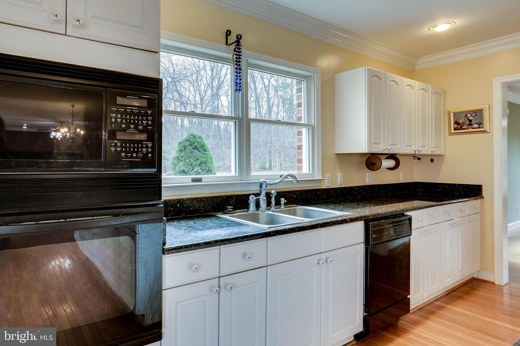 KITCHEN END DOUBLE WINDOW  OVER SINK - 7365 BEECHWOOD DR, SPRINGFIELD