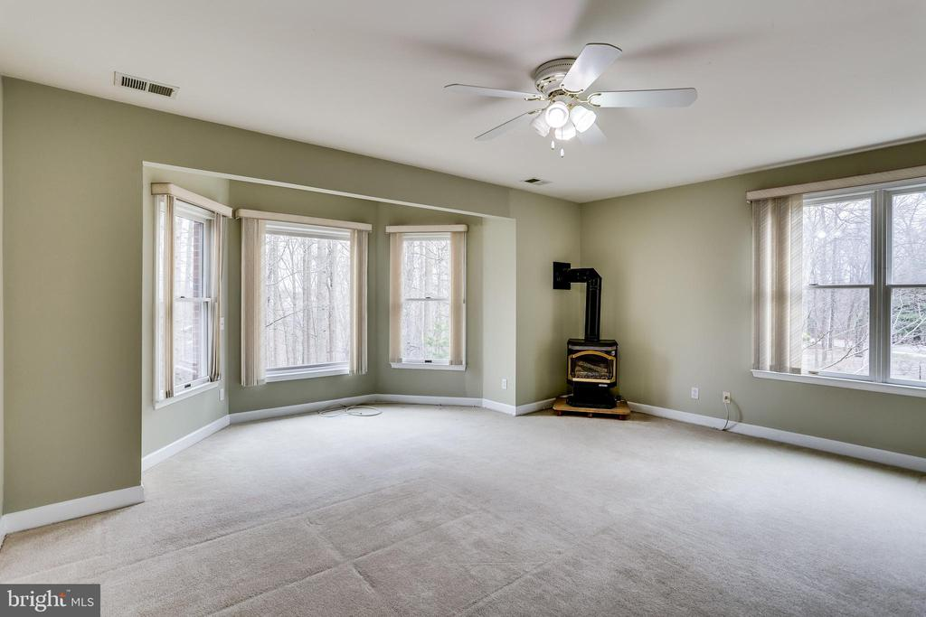 VIEW OF MATER BEDROOM FROM WALK IN CLOSET # TWO - 7365 BEECHWOOD DR, SPRINGFIELD